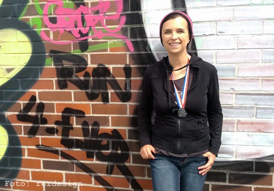 Elisa nach dem Trollinger Marathon 2014 am 11.5.