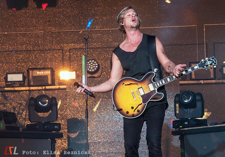 Samu Haber / Sunrise Avenue live in Mannheim, 22.8.2015 (Foto: Elisa Reznicek)