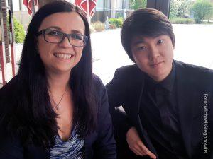 Elisa Reznicek und Seong-Jin-Cho by Michael Gregonowits