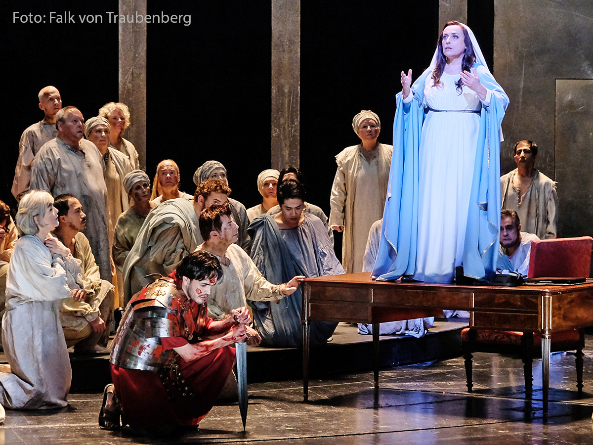 Pressebild Simon Boccanegra (Falk von Traubenberg / Badisches Staatstheater)